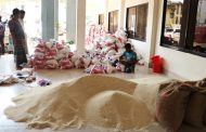 বান্দরবানে পার্বত্য চট্টগ্রাম বিষয়ক মন্ত্রণালয়ের উদ্যোগে গরীব ও অসহায়দের মধ্যে চাউল বিতরণ কার্যক্রম শুরু
