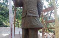 দেশের সর্ববৃহৎ বঙ্গবন্ধুর ভাস্কর্যের মাটির অনুকৃতি উন্মোচন করেন সিটি মেয়র