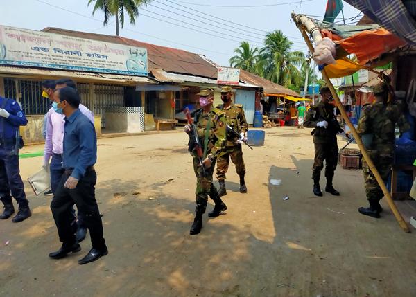করোনা মোকাবেলায় রাঙ্গামাটির রাস্তা ফাঁকা,দখলে আইন-শৃঙ্খলা বাহিনী