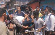 নগরীর ইপিজেড : কোস্ট গার্ডের গাড়ীর ধাক্কায় তিন মোটর বাইক আরোহী আহত