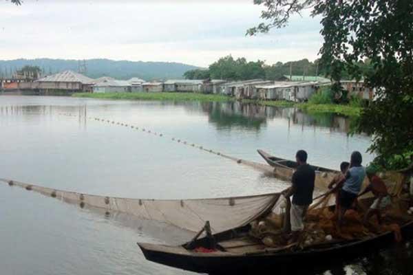 কাপ্তাই হ্রদে মাছধরা ও পোনামাছ নিধন বন্ধে কঠোর ব্যবস্থা