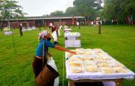 কাপ্তাই সেনা জোনের ১ মিনিটের ঈদের বাজার: অসহায় লোক পেল বিনামূল্যে ঈদ সামগ্রী