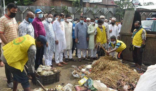 চট্টগ্রাম : চসিক বিকাল ৪ টার মধ্যে শতভাগ কোরবানীর পশুর বর্জ্য অপসারণ সম্পন্ন করেছে– মেয়র